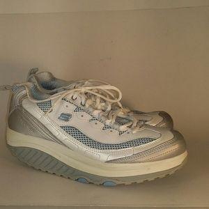 Skechers Shape Ups Athletic shoes size 8.5
